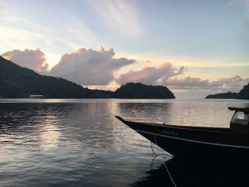 Sunset view in front of Baba Lagoon